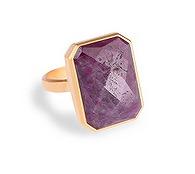 指輪型ウェアラブルデバイス、RINGLYのデザインは?